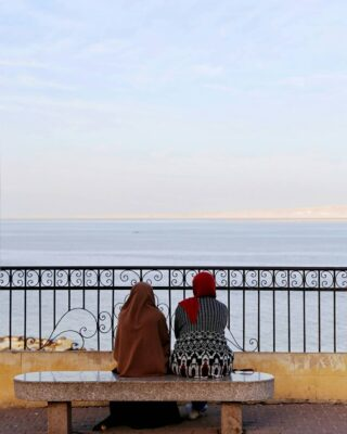 Two women enjoying the view over the sea during sunset. I must admit, it was a hell of a view! ⠀⠀⠀⠀⠀⠀⠀⠀⠀ . . . . . #hurghadabeach #wanderlust #travelphotography #travelblogger #travelingram #traveltheworld #igtravel #instapassport #instago #mytravelgram #instatraveling #travelblog #travels #ilovetraveling #ig_color #visualambassadors #agameoftones #worldtones #igtones #heatercentral #lightroomasters #fatalframes #modernoutdoors #mainvision #softvision #createExplore #folkgreen #wildestview #fatalframes #lensbible