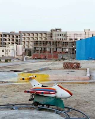 Since the revolution tourism in Egypt isn't what it used to be. When exploring Hurghada I saw a lot of abandoned playgrounds like these. For some reason I really like this past glories. Although it is sad too. I'm praying for better times in Egypt.. 🙏 ⠀⠀⠀⠀⠀⠀⠀⠀⠀ . . . . . #verybusymag #onbooooooom #ignantpicoftheday #exploreeverything #somewheremagazine #gominimalmag #gupmagazine #archivecollectivemag #thisisveryinstant #streetsweeper #paperjournalmag #tinycollective #phroom #createexplore #newtopographics #freshairclub #collecmag #broadmag #lekkerzine #artofvisuals #vsco #ifyouleave #oftheafternoon #subjectivelyobjective #moodygrams #thediscoverer #odtakeovers #oldtonecollective #natgeotravel #imaginarymagnitude